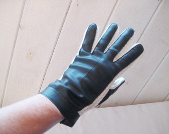 Black white faux leather driving gloves, warm winter gloves, 60s 70s, black vinyl gloves, size 7, two tone, 1475