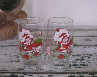 Pair of Strawberry Shortcake Drinking Glasses// There's more where this came from//