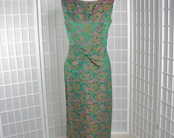 1960s Green Floral Brocade Gown......size  Large........    MINT Condition