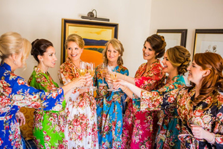 Handmade Womens Robes, Set of Wedding Robes, Floral Bride Robe, Wedding Party Robe, Custom Monogram Bridesmaid Wrap, Womens Kimono Robe