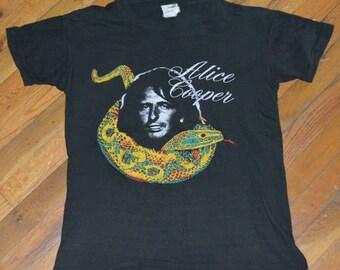 1970's ALICE COOPER vintage concert tour rock mens vintage band t-shirt (S/M) Medium 70s 80s 1980s rare original tshirt tee tshirt GIFT
