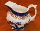 """Royal Doulton (England) The Majestic Collection """"Real Old Willow"""" Classic Pattern Creamer, Traditional China, Collectible China"""