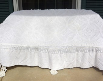 White Chenille Bedspread, Rare Design - 90 x 52 Inches, Great Condition - Vintage - Stunning!