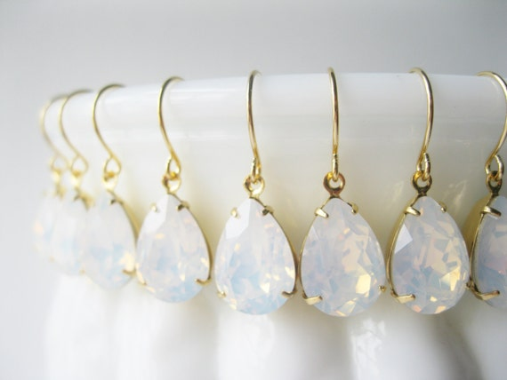 Bridesmaid Earrings Set of 5 pairs White Opal Gold Plated Crystal Teardrop Earrings White Wedding Bridal Jewelry Sets Vintage Style Wedding