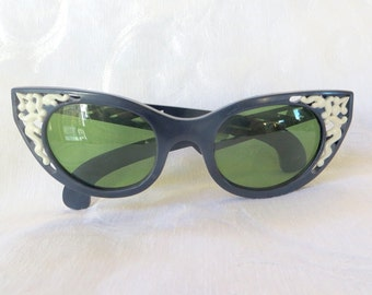 Cool Ray Polaroid Sunglasses, Cat Eye Glasses, Lucite Navy White Openwork Design, Front and Sides