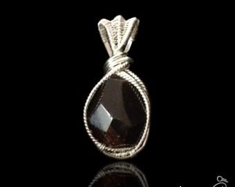 Beautiful Garnet .925 Sterling Silver Pendant