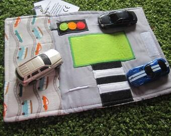 Car toy carrier roll mat