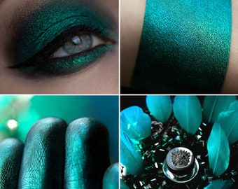Eyeshadow: Renouncing - Undead. Black-turquoise eyeshadow by SIGIL inspired.