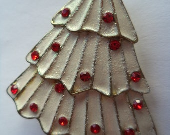 Vintage Unsigned Silvertone/White Brushed Red Rhinestone Christmas Tree Brooch/Pin