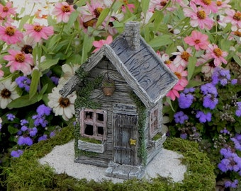 Miniature Camper Trailer Fairy Garden By Thelittlehedgerow