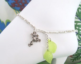 Anklet Silverplated Frog Green Leaf, Tropical Anklet, Ladies Anklet, Teen Anklet, Beach Anklet, Frog Anklet, Body Jewelry, Frog Jewelry