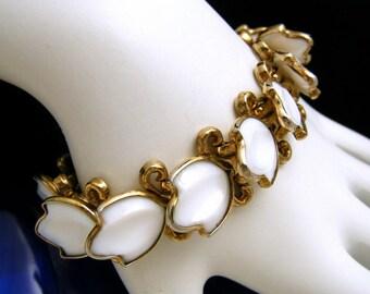 Crown Trifari Pat Pend Vintage Bracelet Poured Glass Petals Gold Tone