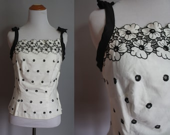 Early 60's Fitted Top // Eyelet with Tie Straps // Extra Small