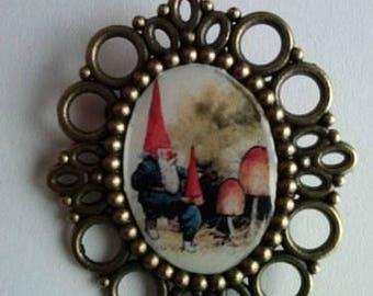 gnome elf gnomes pin vintage