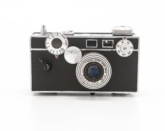 Argus C3 The brick 35mm film camera with 50mm 3.5 lens - 1940s original point and shoot range finder camera - photo booth prop home decor
