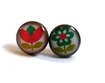 FLORAL earrings, vintage flowers stud earrings, floral jewelry, summer earrings, pink, green, girlfriend gift, teens gift for her