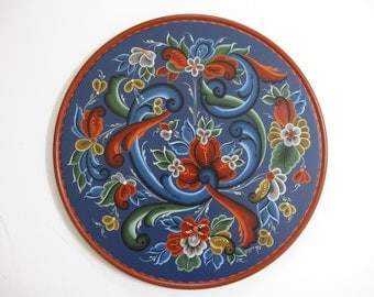 Norwegian Rosemaling on a 14 inch wood plate