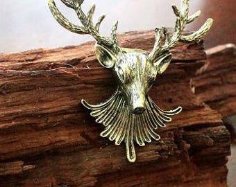 Men's jewelery, suit revers, pin, deer head, antique look.