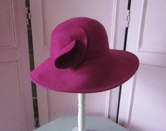 "1990s Raspberry-Colored Wool Felt Hat by ""MYSHA"""