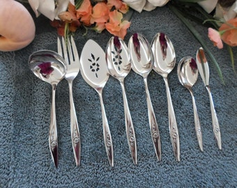 LASTING ROSE  Oneida Vintage Usa 18/8 Deluxe Oneidacraft Stainless 8 Serving Pieces Lot Excellent Looks Unused