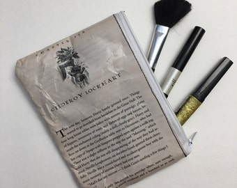 Harry Potter Book Themed Vinyl Pencil or Make-Up Pouch - Gilderoy Lockhart