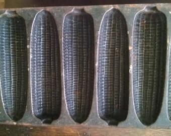 cornbread pan.. Cast iron Corn design. Vintage. Not marked kitchen