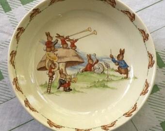 Vintage Royal Doulton Bunnykins Bowl - Bunnies In A Band- PRISTINE - 1937-1954