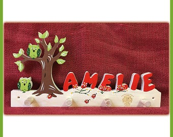 Tree dressing room for children is named Red owls II