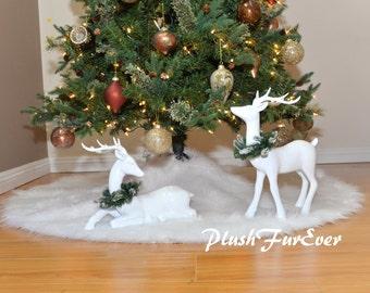 Snow White Warm White Christmas Tree Skirt White Round Holiday Decor Sheepskin Faux Fur Skirt Luxurious Shaggy Contemporary