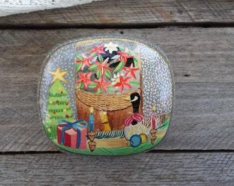 Christmas Laquerware Trinket Box