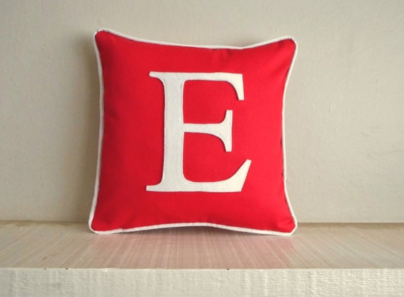 personalized pillow cover / red pillow with white letter / monogrammed / initial pillow / pillow with letter / personalized wedding gift