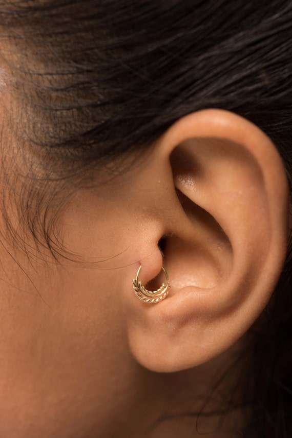 gold nose ring nose piercing tribal nose ring gold tragus. Black Bedroom Furniture Sets. Home Design Ideas