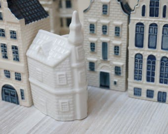 Select from 10 KLM Blue Delft Porcelain Miniature Houses Bols collection China white Dutch made in Holland Netherlands collectible bottle