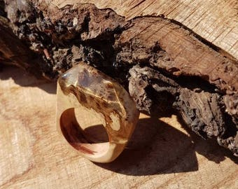 Melee burl and resin ring