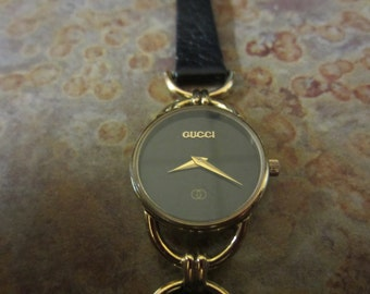 Authentic Gucci Women's Watch Swiss Made/ Runs Accurate Time Free Shipping, Us,  France, Uk, Australia