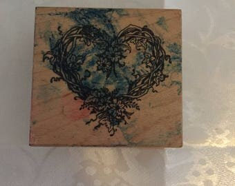 D040  Heart Rubber Stamp