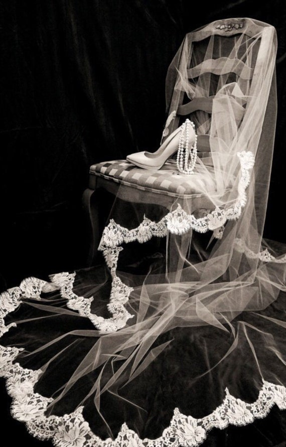 Chantilly Lace Swatch, Imported from France, Lace Veil,Spanish Style Veil, Vintage Style Veil, Bridal Veil, Wedding Veils