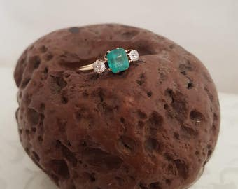 Wonderful Antique Emerald and Diamond Ring in 14k Yellow Gold -EB649