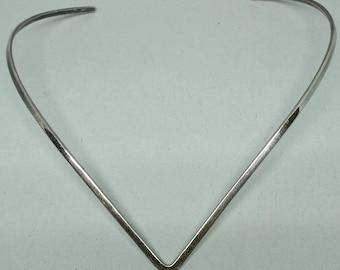 Vintage Mexico 925 TC 106 chocker V shape necklace from 1980's