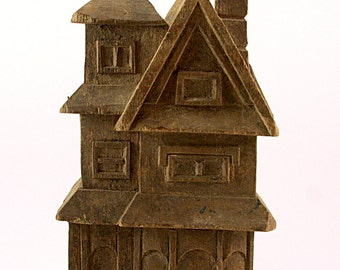 Old House Takaan, wood folk carving used to produce paper-macho art