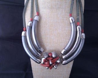 Sharra Pagano NWT old stock faux coral Necklace