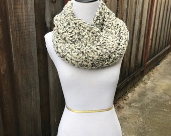 Chunky Cream/Black/Gray Speckled Infinity Scarf; Bulky Cream/Black/Gray Speckled Infinity Scarf; Chunky Fall Circle Scarf; Winter Scarf;