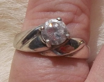VINTAGE SILVER RING Clear Stone Small Vintage Sweetheart Ring
