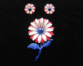 Vintage Daisy Pin/Earrings, Red white blue