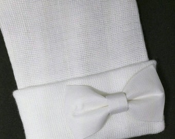 Newborn Hospital Hat with White Bow. Beautiful Bow for a Beautiful Baby! You will Love this! Perfect Gift! Baby 1st Keepsake