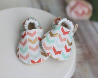 Herringbone Baby Shoes, Baby Girl Shoes, Baby Girl Booties, Pink Baby Shoes, Baby Booties, Pink Booties, Baby Girl Moccasins, baby Moccasins