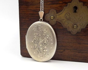 Large Sterling Silver Locket Pendant | Huge Vintage 1970's Oval Engraved Photo Locket Necklace On A Chain | Hallmarked 1973