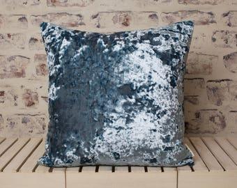blue crushed velvet cushion//blue crushed velvet pillow//blue velvet//large velvet cushion//large velvet pillow