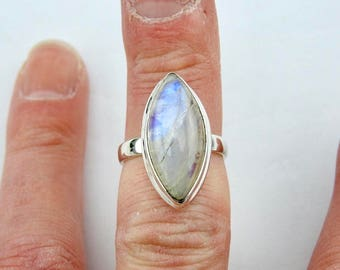 Rainbow moonstone ring.Sterling silver. Ring. Moonstone ring. Gemstone rings. Rainbow moonstone. Moonstone. Handmade ring. Modern. Designer.