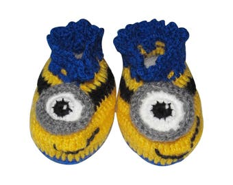 Crochet Baby Booties - Minions Cute Newborn Baby booties baby shoes 0 - 9 Months different sizes baby boy / girl booties baby shower gift